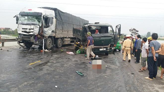 3 xe tải húc nhau trên đường tránh Vinh - Nghệ An - Ảnh 3.
