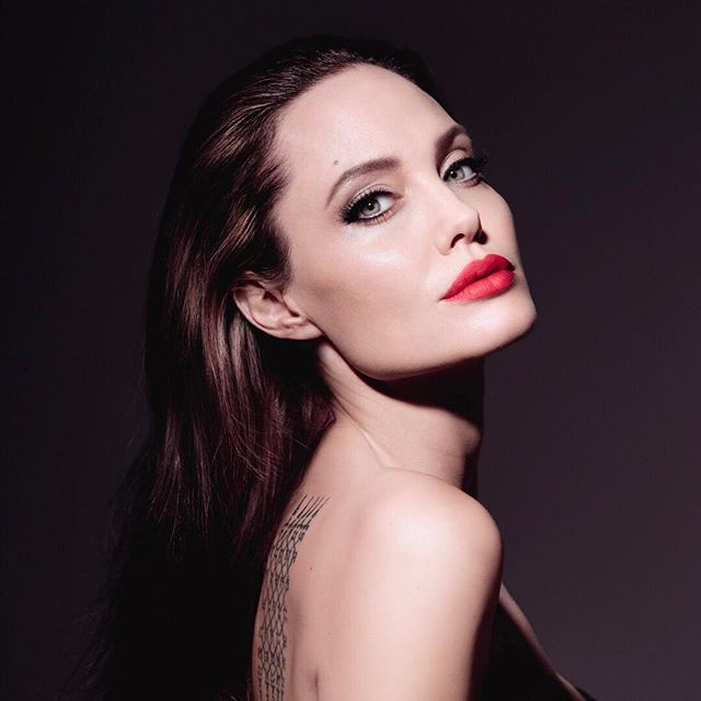 Angelina Jolie thú nhận điều này sau gần 2 năm ly hôn Brad Pitt - Ảnh 1.