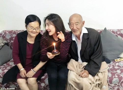 Bộ ảnh cưới của cô gái trẻ và cụ ông 87 tuổi khiến dân mạng xôn xao - ảnh 8