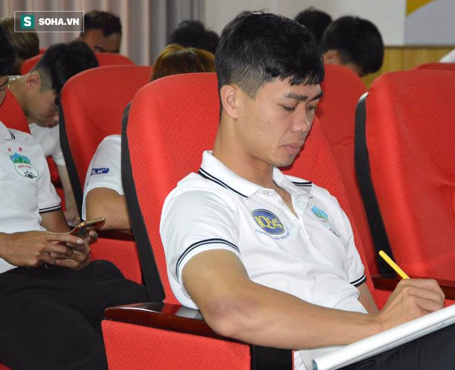 Chăm chỉ học tập, biểu tượng chiến thắng của U23 Việt Nam hé lộ ước mơ lạ ngoài bóng đá - Ảnh 2.