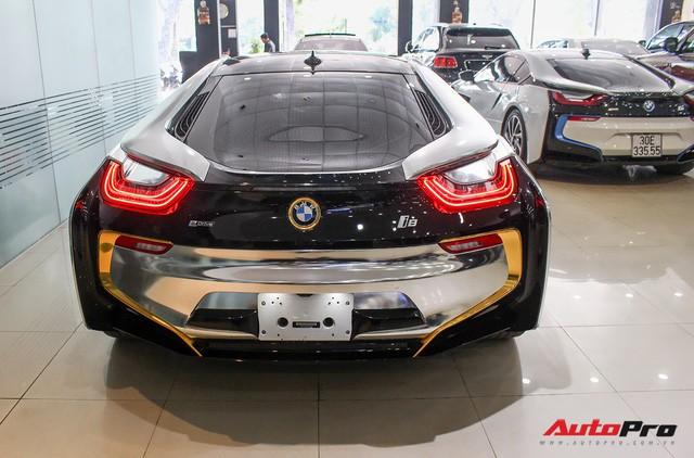 BMW i8 dán decal chrome bạc độc nhất Việt Nam rao bán lại giá 3,9 tỷ đồng - Ảnh 11.