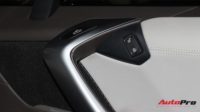 BMW i8 dán decal chrome bạc độc nhất Việt Nam rao bán lại giá 3,9 tỷ đồng - Ảnh 17.