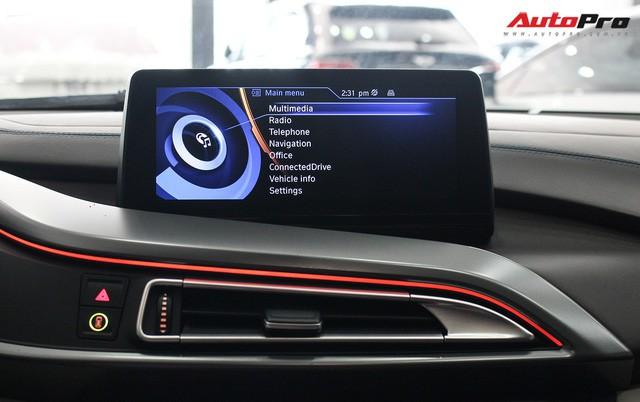 BMW i8 dán decal chrome bạc độc nhất Việt Nam rao bán lại giá 3,9 tỷ đồng - Ảnh 22.