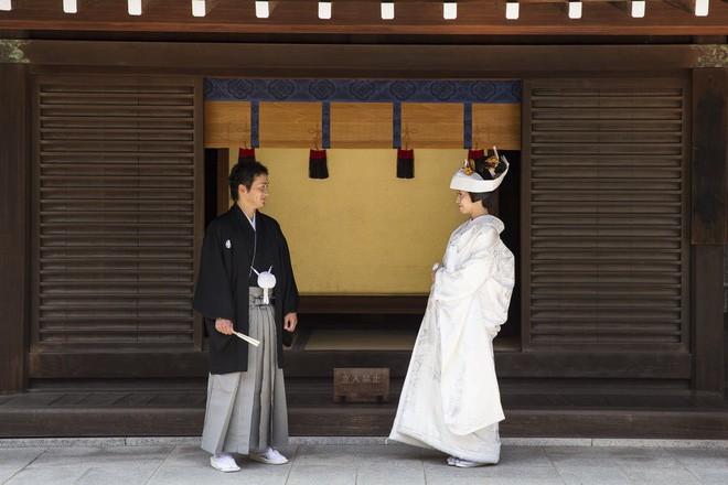 12 điểm khác biệt trong đám cưới truyền thống của Nhật Bản: Ai được mời thì đến, không rủ người khác đi cùng! - Ảnh 5.