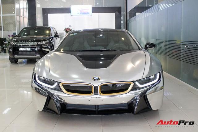 BMW i8 dán decal chrome bạc độc nhất Việt Nam rao bán lại giá 3,9 tỷ đồng - Ảnh 5.