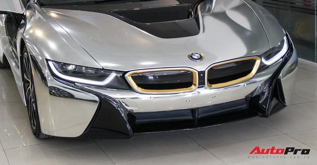 BMW i8 dán decal chrome bạc độc nhất Việt Nam rao bán lại giá 3,9 tỷ đồng - Ảnh 9.