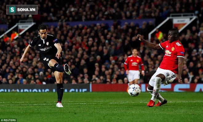 Thua tủi hổ, Man United xứng đáng cúi gằm mặt rời Champions League - Ảnh 2.