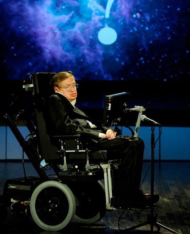 Tôi chẳng sợ cái chết, nhưng tôi cũng không nóng lòng đón nhận nó - Stephen Hawking - ảnh 20