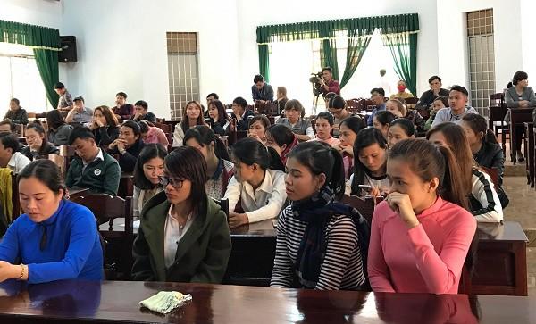 Hơn 500 giáo viên dôi dư ở Đắk Lắk: Đề nghị tuyển dụng về một mối - Ảnh 1.