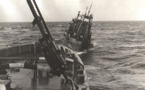 Hải quân Liên Xô cứu hộ tàu HQ-614  ở Trường Sa: Bất trắc đã xảy ra