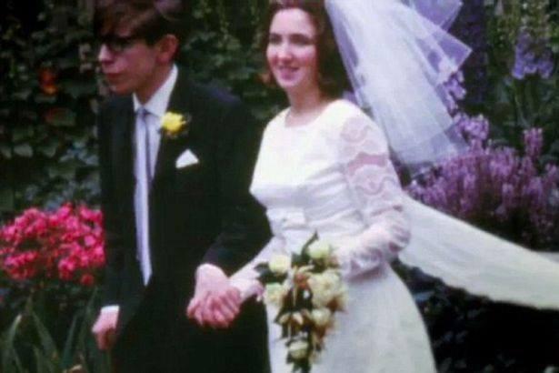 Sự thật đằng sau bộ phim triệu người xem về Stephen Hawking: Những ẩn ức chưa kể - ảnh 3