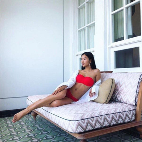 Cuộc đua gợi cảm của Hoàng Thùy, Mâu Thủy sau Hoa hậu Hoàn vũ Việt Nam - Ảnh 8.