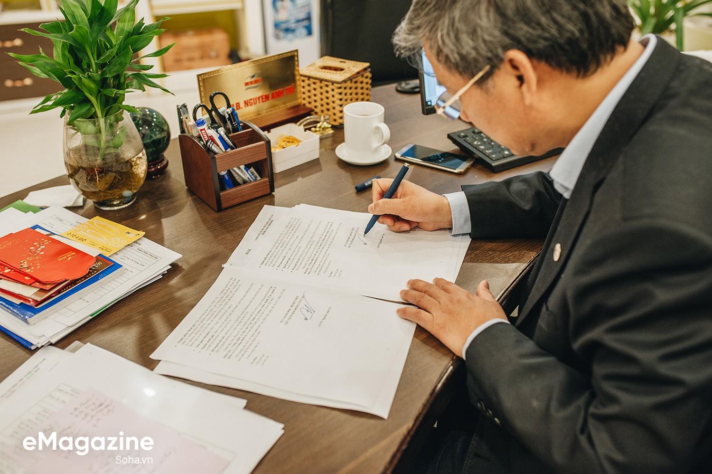 GS Nguyễn Anh Trí: Nếu kiếm tiền một cách chính danh, tôi là một trong những giáo sư giàu nhất VN - Ảnh 21.