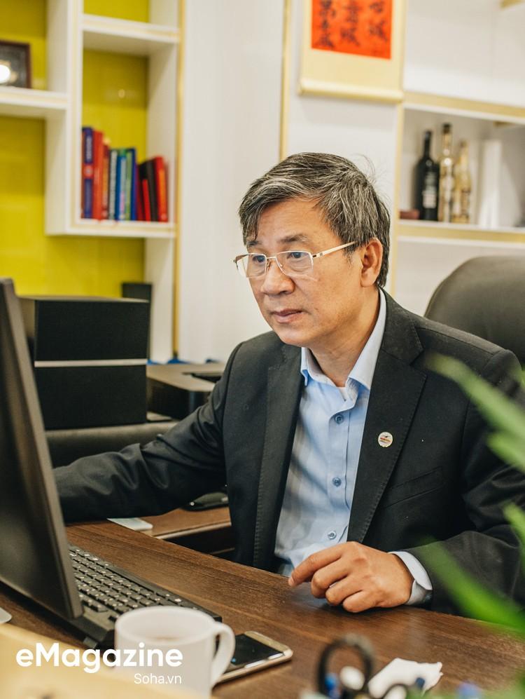 GS Nguyễn Anh Trí: Nếu kiếm tiền một cách chính danh, tôi là một trong những giáo sư giàu nhất VN - Ảnh 17.