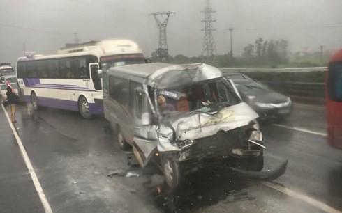 Tâm sự của lính cứu hỏa về tai nạn cao tốc Pháp Vân - Cầu Giẽ: Nếu chừa cho xe ưu tiên 1 lối - Ảnh 1.
