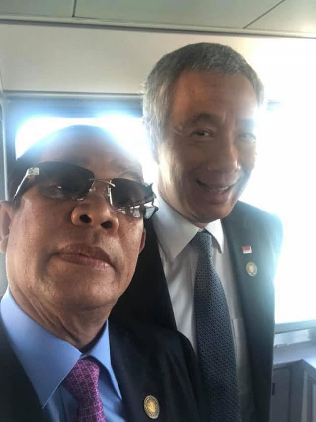 Chùm ảnh: Tinh thần selfie cao độ của Thủ tướng Campuchia cùng các nguyên thủ ASEAN - Ảnh 3.