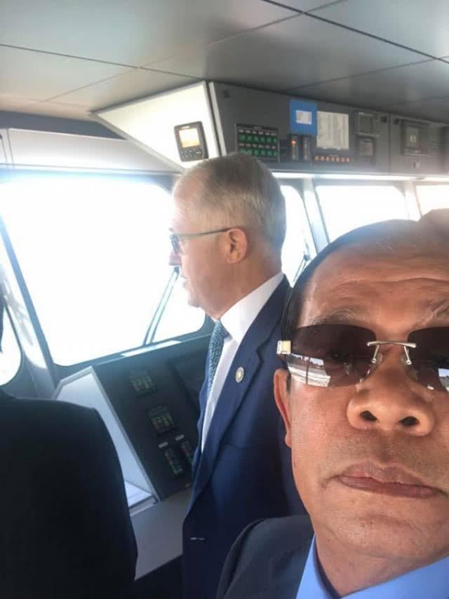 Chùm ảnh: Tinh thần selfie cao độ của Thủ tướng Campuchia cùng các nguyên thủ ASEAN - Ảnh 5.