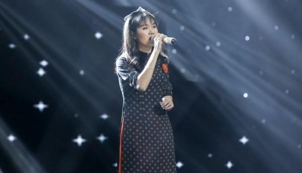 Cô bé mù hát Bolero khiến Ngọc Sơn khóc, Quang Lê tặng 10 triệu và Như Quỳnh mời hát chung - Ảnh 2.