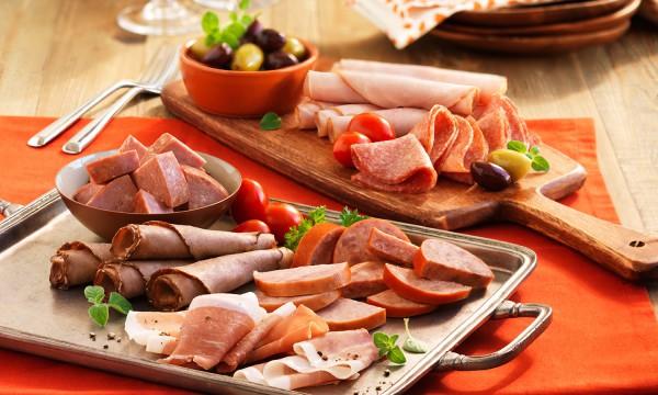 Nguy cơ sức khỏe từ thực phẩm chế biến sẵn, truyền thống - Ảnh 2.