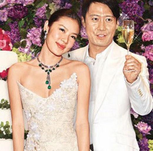 Tuổi 51, Thiên vương Lê Minh làm trợ lý có bầu: Vợ cũ gốc Việt phát biểu chua chát - Ảnh 3.