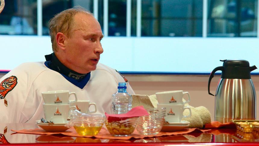 Vladimir Putin: Những khoảnh khắc cô đơn của người đàn ông thép - Ảnh 7.
