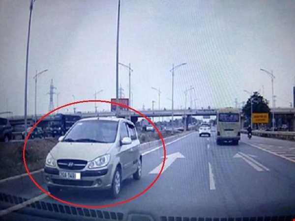 Những chiếc ô tô trong hình hài... xe máy trên đường phố Việt Nam - ảnh 1