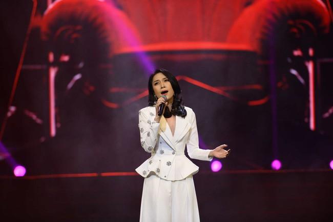 Soi ca sĩ Việt hát live: Mỹ Tâm hát lỗi tại giải Cống hiến - Ảnh 2.