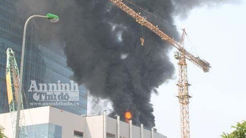 Những vụ cháy tòa nhà cao tầng kinh hoàng gây thiệt hại nặng nề về người và tài sản - Ảnh 6.