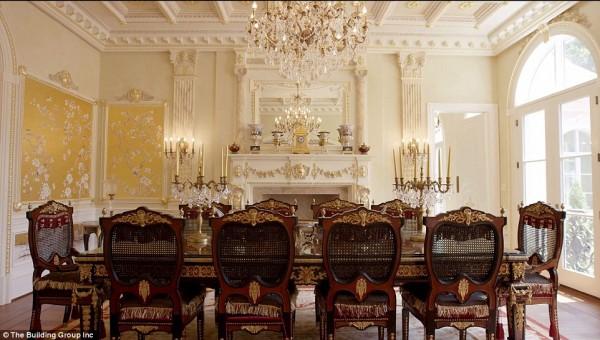 'Cung điện ánh sáng' vàng dát lên cửa và chuyên cơ xa xỉ tốn 30.000 USD một giờ bay của hoàng tử Ả-rập - Ảnh 6.