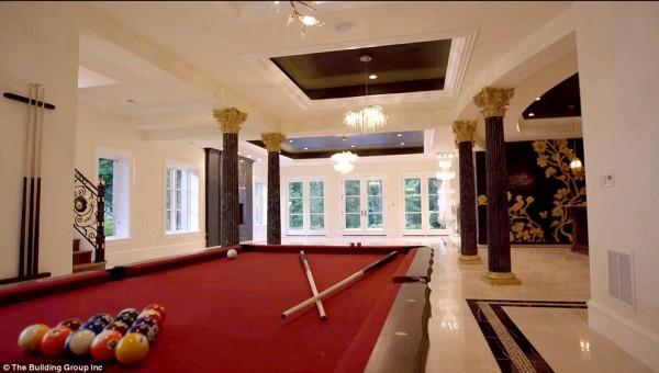 'Cung điện ánh sáng' vàng dát lên cửa và chuyên cơ xa xỉ tốn 30.000 USD một giờ bay của hoàng tử Ả-rập - Ảnh 7.