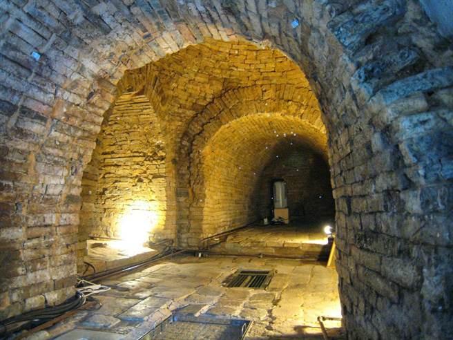 Hầm mộ Trung Quốc và những cạm bẫy khiến giới khảo cổ không bao giờ hết ám ảnh - Ảnh 3.