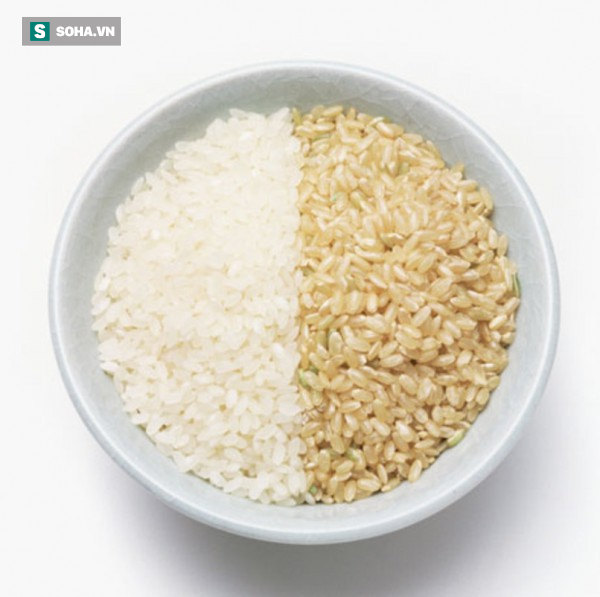 Gạo trắng hay gạo lứt tốt cho sức khỏe hơn: Lâu nay nhiều người ngộ nhận, dẫn tới dùng sai - Ảnh 1.