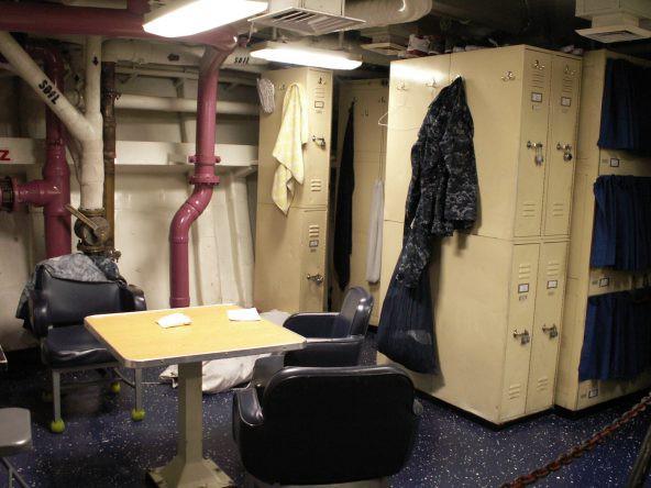 """Ký sự 1 ngày trên tàu sân bay Mỹ Carl Vinson: Trải nghiệm cuộc sống ở nơi """"nguy hiểm nhất"""" - Ảnh 6."""