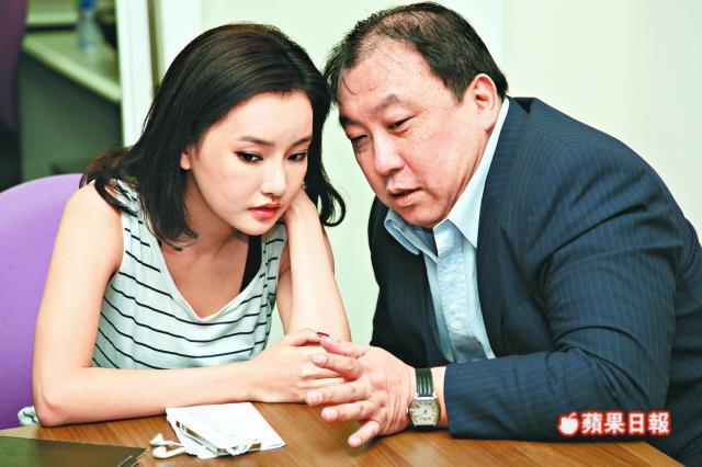 Nhan sắc nóng bỏng của con gái Châu Nhuận Phát được vua phim 18+ để ý - Ảnh 3.
