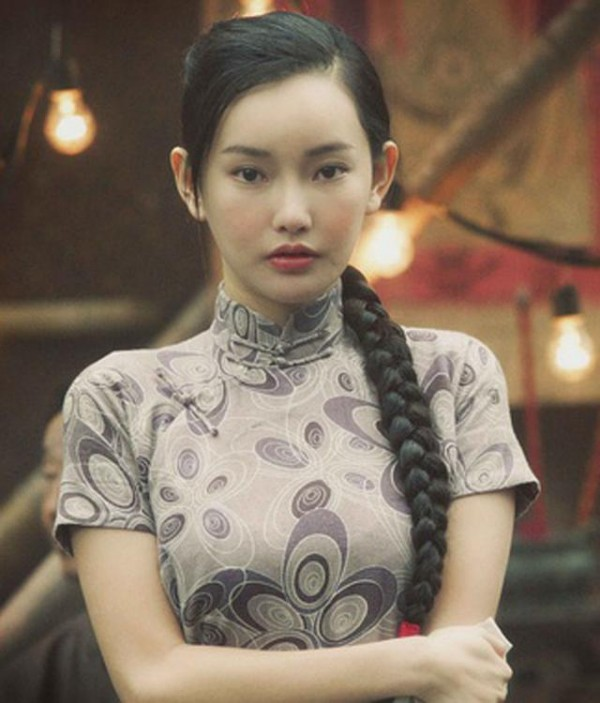 Nhan sắc nóng bỏng của con gái Châu Nhuận Phát được vua phim 18+ để ý - Ảnh 4.