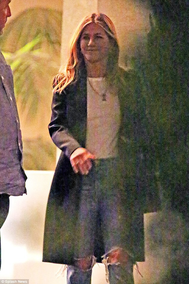 Đừng bắt Jennifer Aniston quay lại với Brad Pitt, cô ấy xứng đáng được hơn thế! - Ảnh 7.