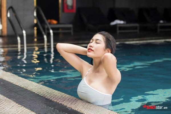 Chiêm ngưỡng hình ảnh bơi lội nóng bỏng của Chế Nguyễn Quỳnh Châu - Ảnh 5.