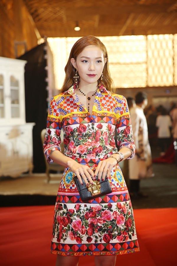 Hai cô bạn độc thân giàu có, đẳng cấp và xinh đẹp của Hoàng Thùy Linh - Ảnh 25.