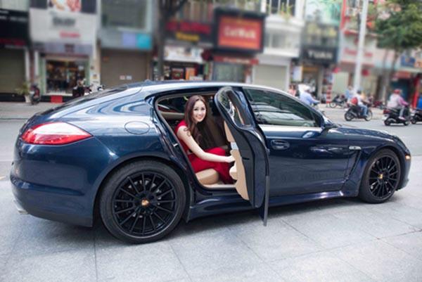 Hai cô bạn độc thân giàu có, đẳng cấp và xinh đẹp của Hoàng Thùy Linh - Ảnh 11.