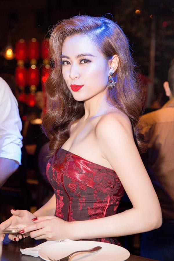 Hai cô bạn độc thân giàu có, đẳng cấp và xinh đẹp của Hoàng Thùy Linh - Ảnh 1.