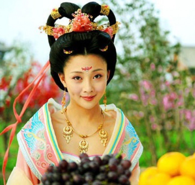Từ Cleopatra đến Dương Quý Phi, đây là những mỹ nhân xinh đẹp bậc nhất trong lịch sử - Ảnh 11.