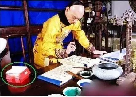 Sạn vô duyên trong phim Hoa ngữ: Thời cổ xuất hiện hộp gà rán, lốp xe cao su - Ảnh 3.