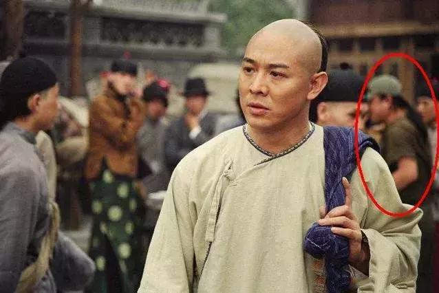 Sạn vô duyên trong phim Hoa ngữ: Thời cổ xuất hiện hộp gà rán, lốp xe cao su - Ảnh 4.