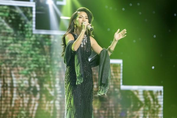 Dạy chồng Tây hát Bolero, cô gái Việt khiến Ngọc Sơn thán phục - Ảnh 2.