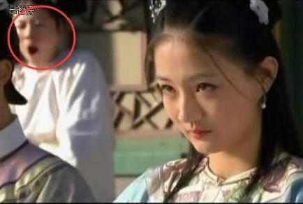 Sạn vô duyên trong phim Hoa ngữ: Thời cổ xuất hiện hộp gà rán, lốp xe cao su - Ảnh 10.