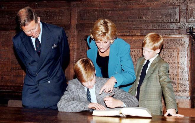 Cách làm mẹ của Công nương Diana vẫn luôn khiến các mẹ khắp thế giới ngưỡng mộ - Ảnh 12.
