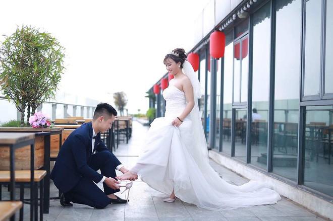 Hậu 8/3, phỏng vấn anh chồng nổi tiếng MXH vì tặng vợ sắp cưới đôi dép 30 nghìn thắt nơ hài hước - Ảnh 4.