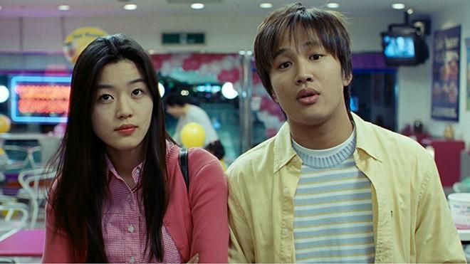 Mợ chảnh Jun Ji Hyun: Bà hoàng showbiz dẫu vạn người săn đón vẫn thủy chung với tình yêu thuở ban đầu - Ảnh 2.