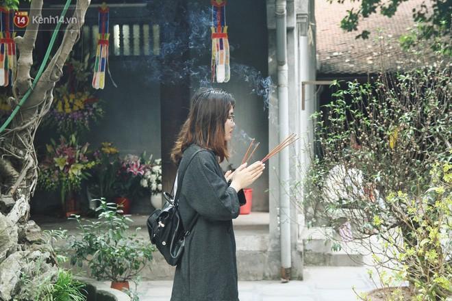 Từ chuyện cô gái được crush bỏ chặn facebook, chủ động nhắn tin, ghé thăm chùa Hà cầu duyên nổi tiếng ở Hà Nội - Ảnh 6.