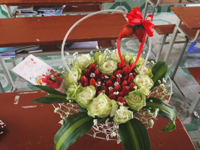Mua hoa dâu tây ảnh minh họa đẹp long lanh qua mạng, cô gái muốn khóc cạn nước mắt khi nhận được sản phẩm - Ảnh 6.